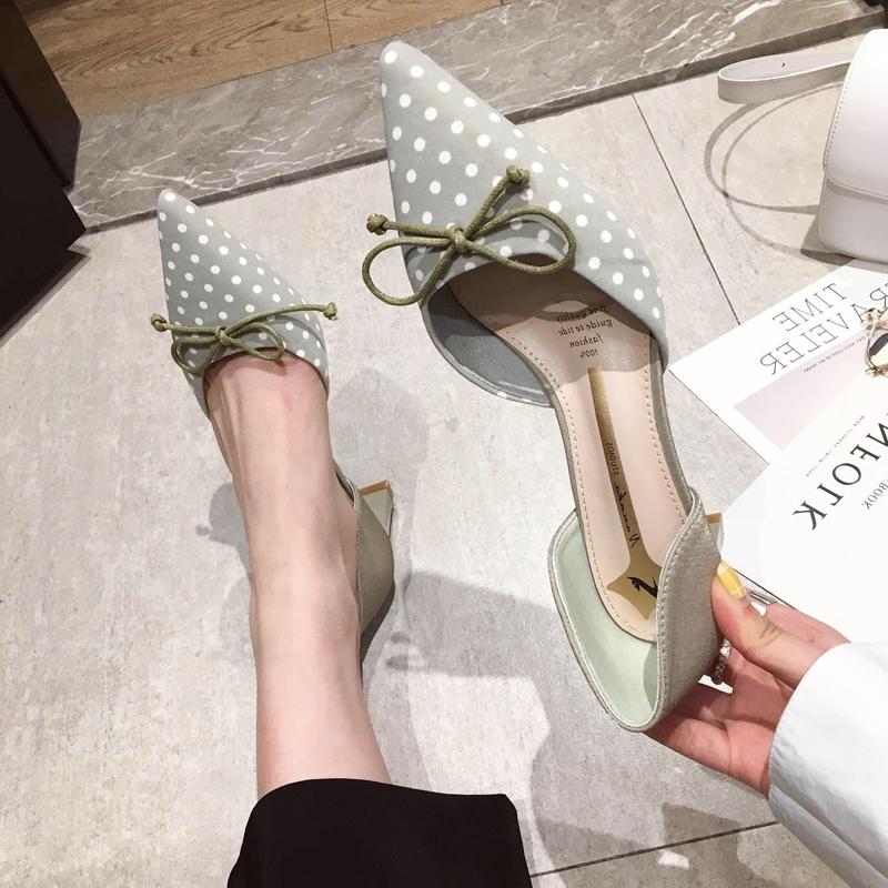 单鞋蝴蝶结波点中空绸缎白色高跟女2019韩版绿色面粗跟上班鞋尖头