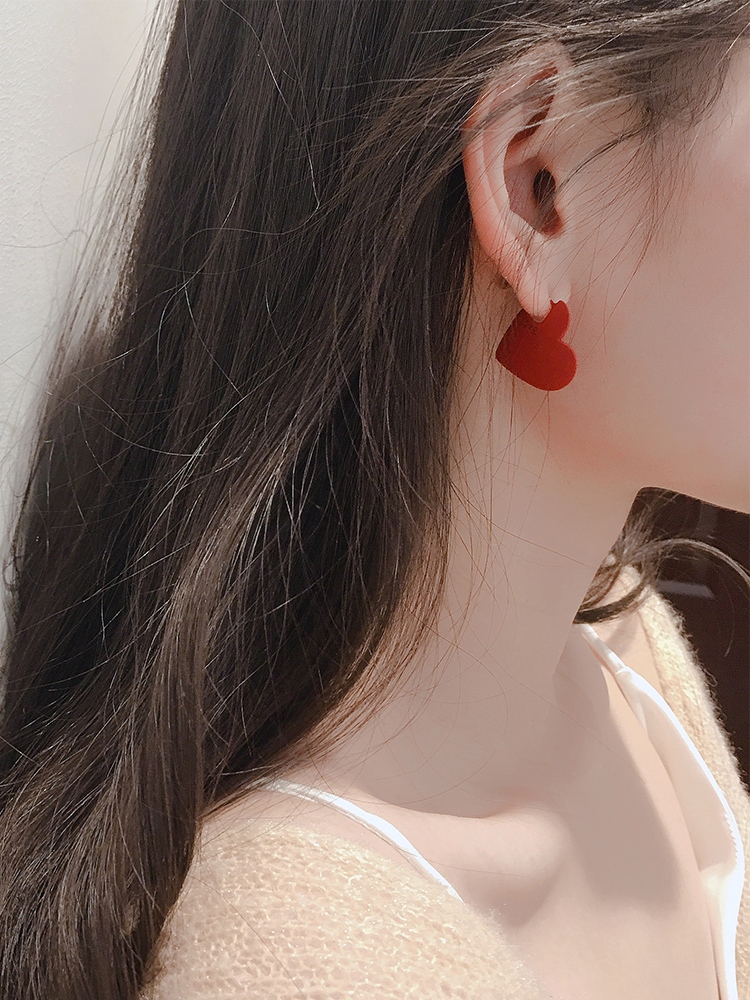 Red Heart Ear 925 silver pin temperament Red sense of quality retro cold wind earrings 2019 new tide female