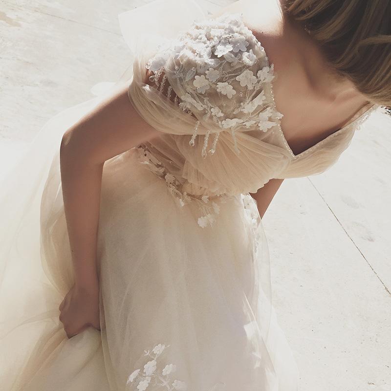 【 небольшой Q домой 】2018 новый дворец корейский кружево тонкий невеста роскошный V наконечник рукав свадьба драгоценность продольный мазок
