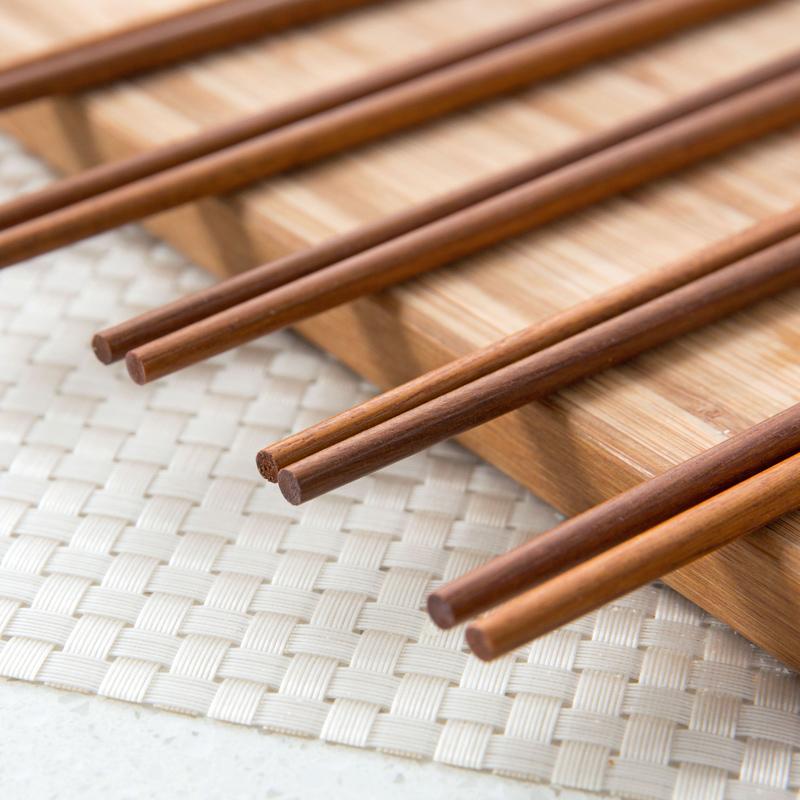 Gỗ cánh gà bằng gỗ đũa chống trượt hộ gia đình 10 đôi đặt bộ đồ ăn bằng gỗ đặc