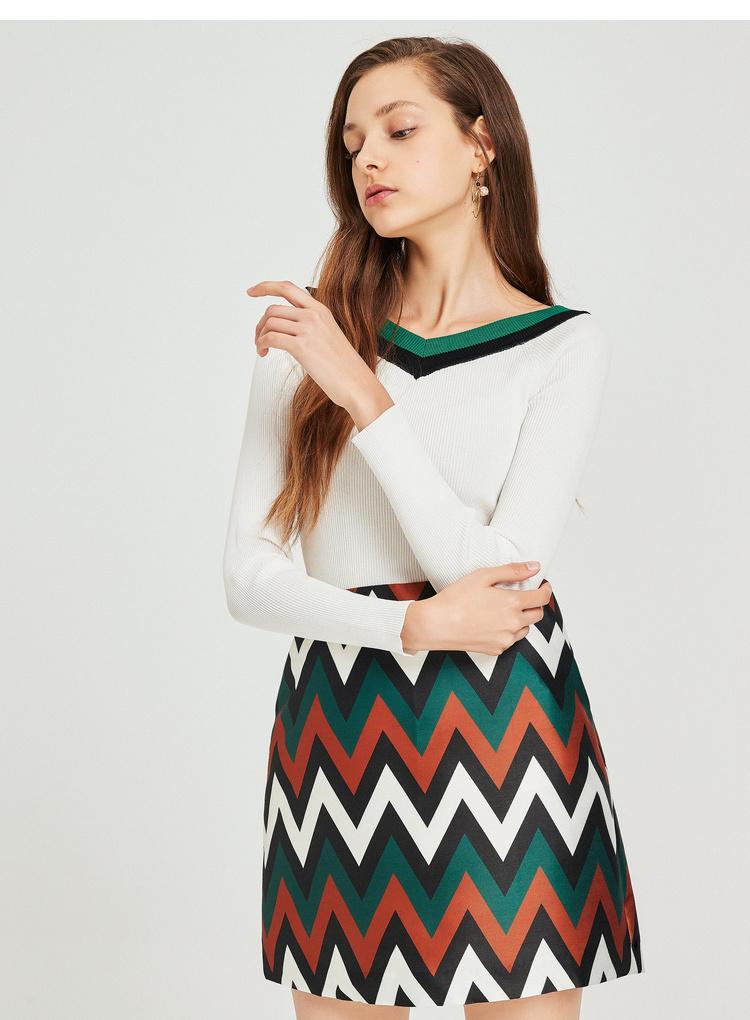 秋水伊人半身裙折线图案 修身版型 舒适面料女装2019春装A字裙裙子短裙