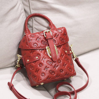 B310 red embossed leather female header layer leather messenger bag box bag box bag lovely setting packet