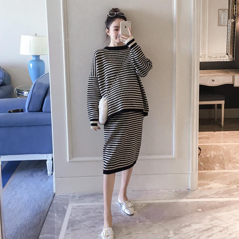 孕妇装条纹针织件套时尚裙套装毛衣款2019秋装裙子连衣半身两上衣
