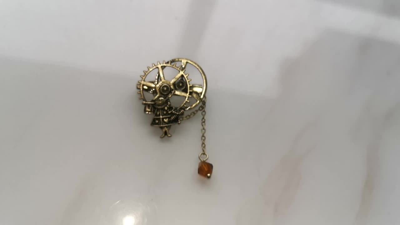 Wholesale cheap Free customized halloween pin brooches
