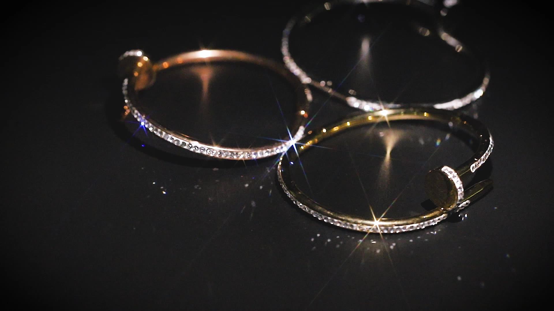 Bijoux ongles en acier inoxydable, 1 pièce, pour hommes et femmes, bracelet ajustable coloré avec Bracelets en Zircon