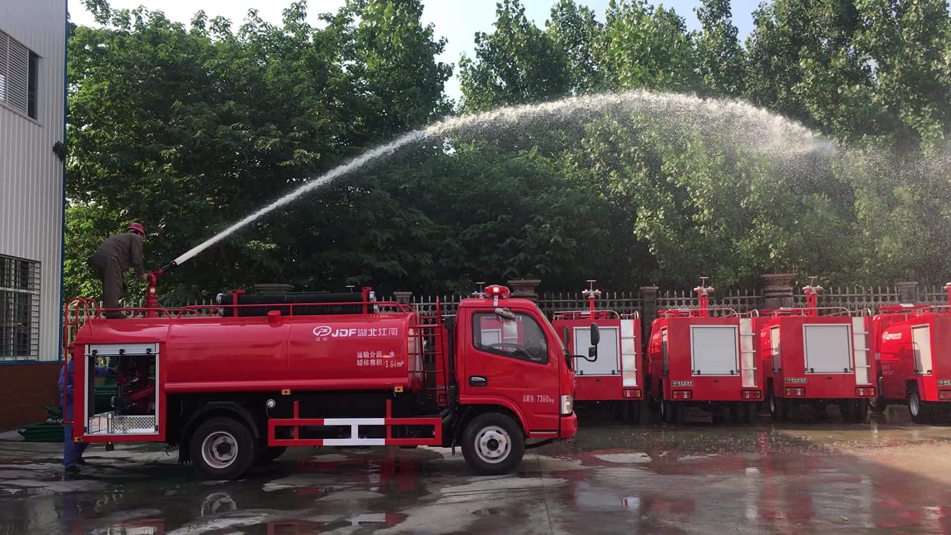 30 m tưới nước phạm vi của 3000L nhỏ cháy động cơ