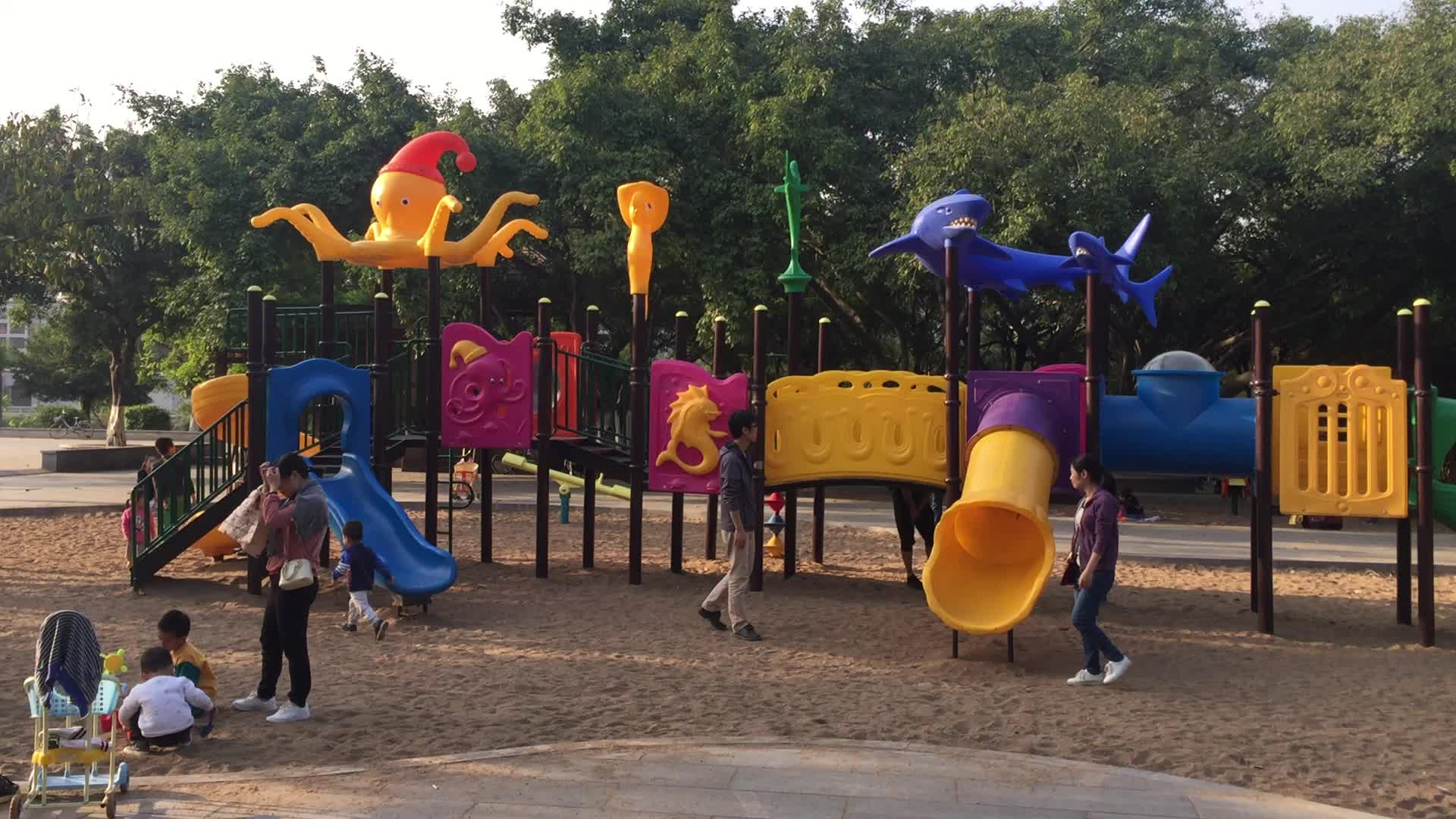 Chinese Factory Cheap Super Quality Plastic Kids Outdoor Play Playground Equipment