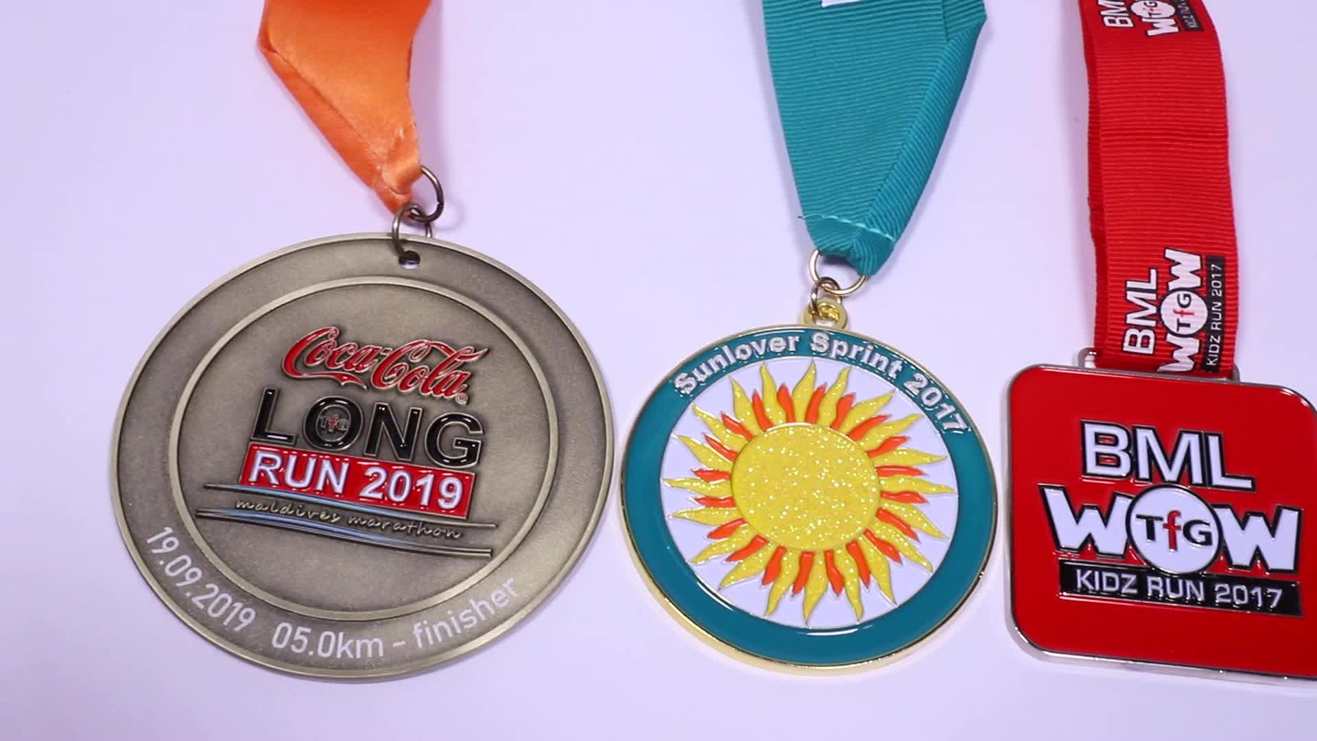 Wide variedades design honra bicicleta liga de zinco medalha de esportes