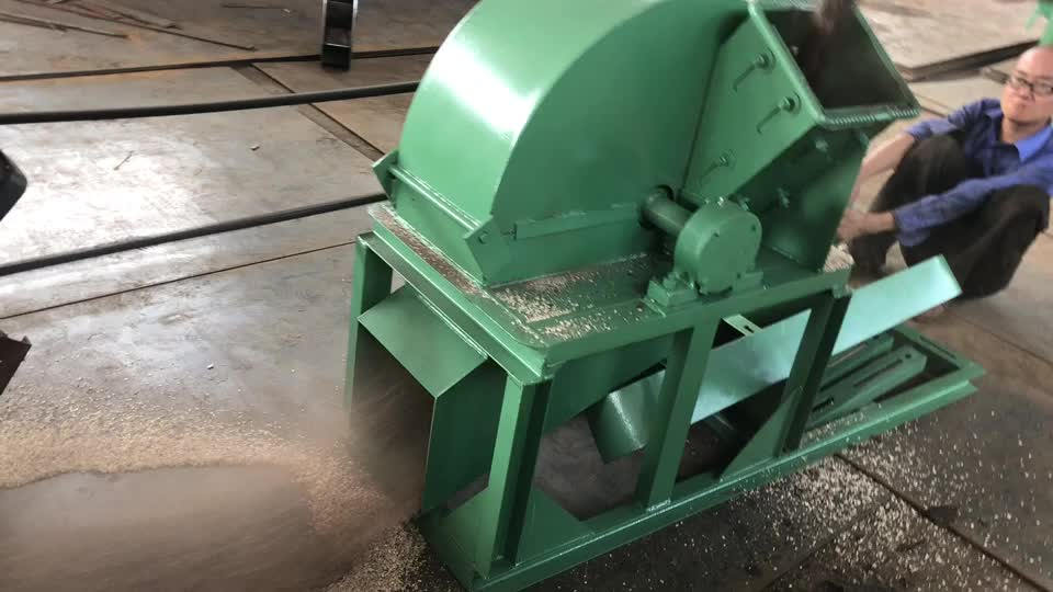 Promotional household small-sized wood branch crusher can be used for paper making, mechanical charcoal
