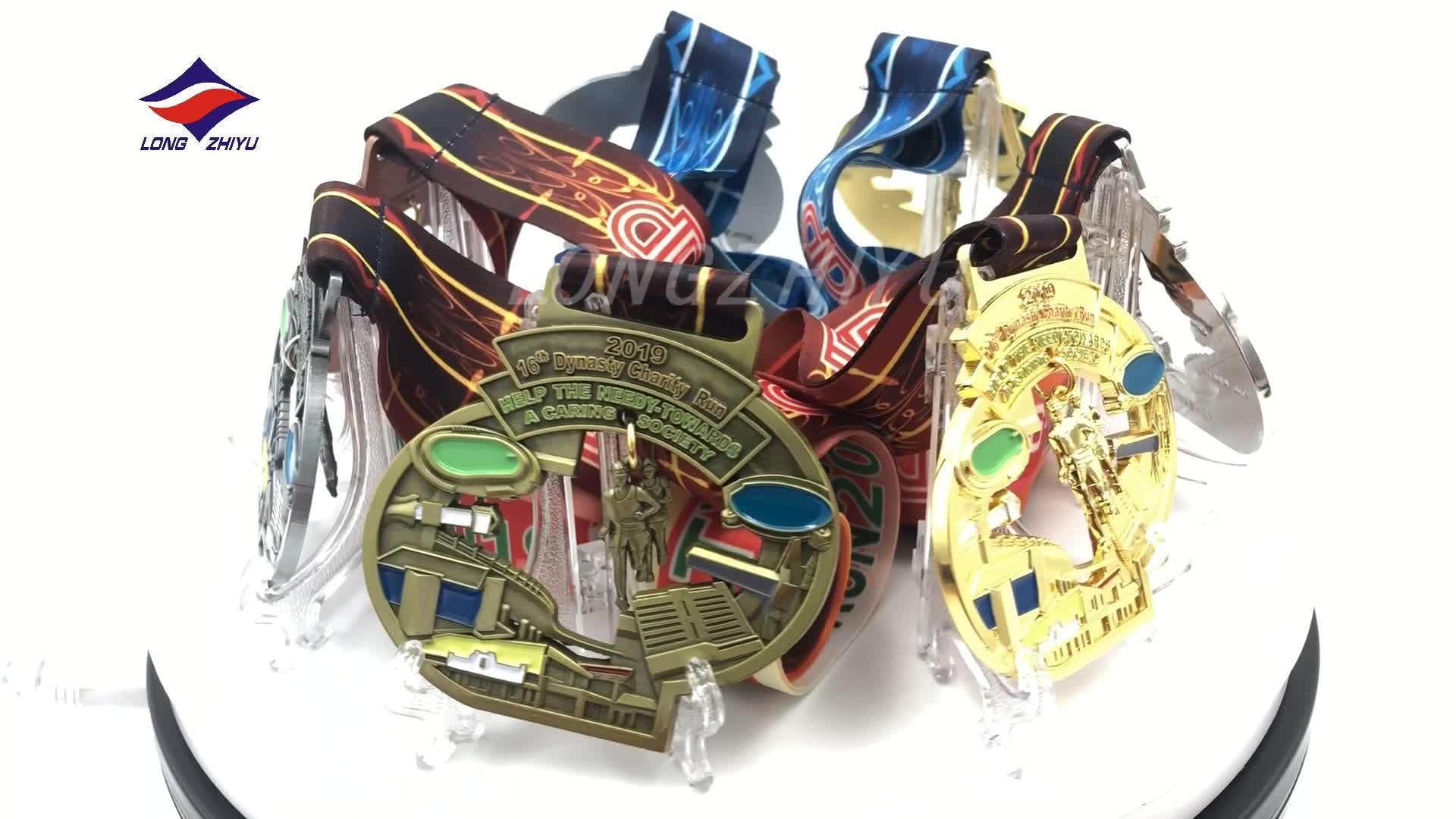 Longzhiyu 12 anos fabricante personalizado de metal medalhas de esmalte dos desenhos animados para crianças logotipo personalizado comemorativo medalhas medalhas do esporte de corrida