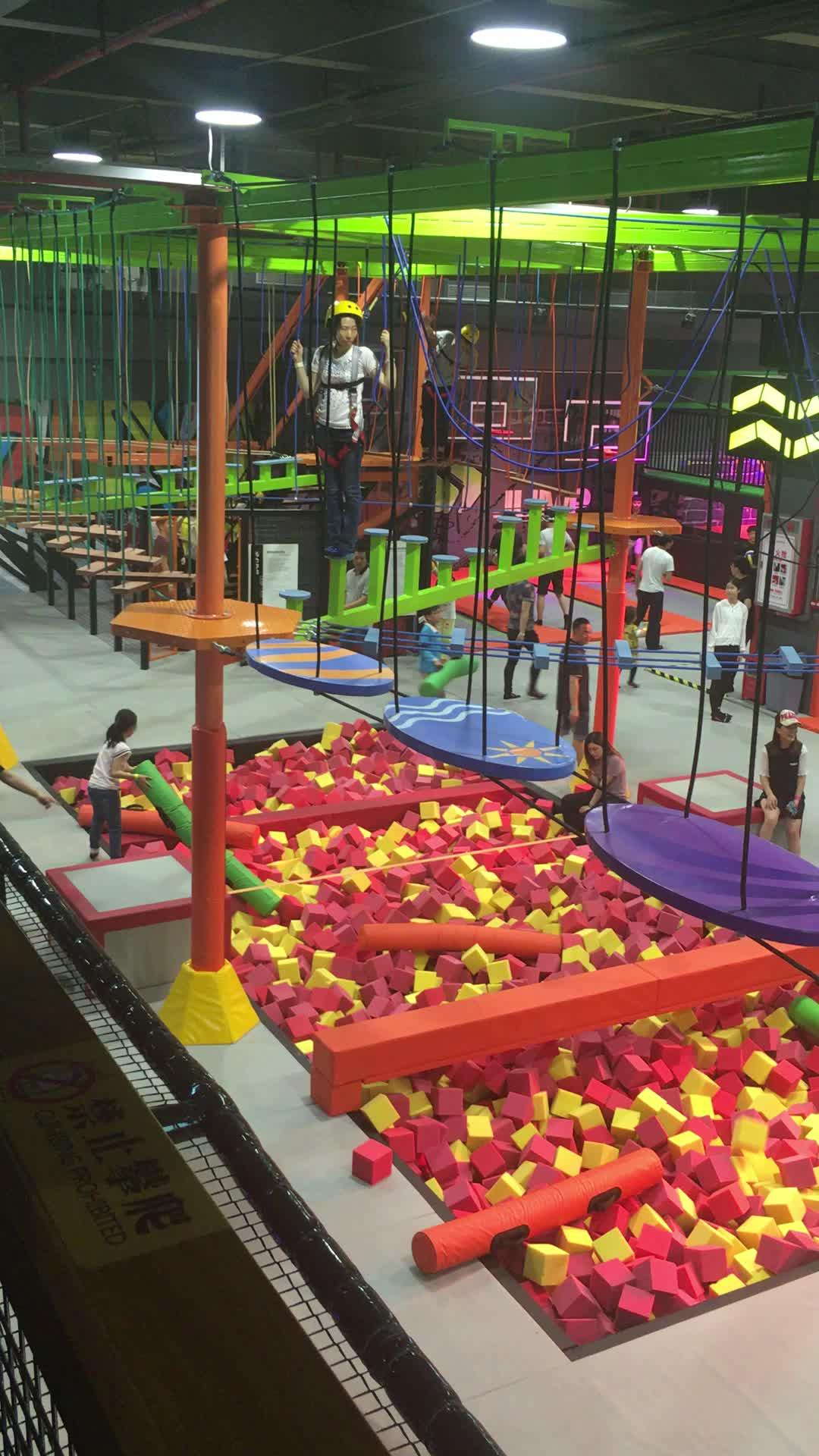Nieuwe collectie groothandel goedkope indoor kinderen commerciële trampoline park met ninja cursus