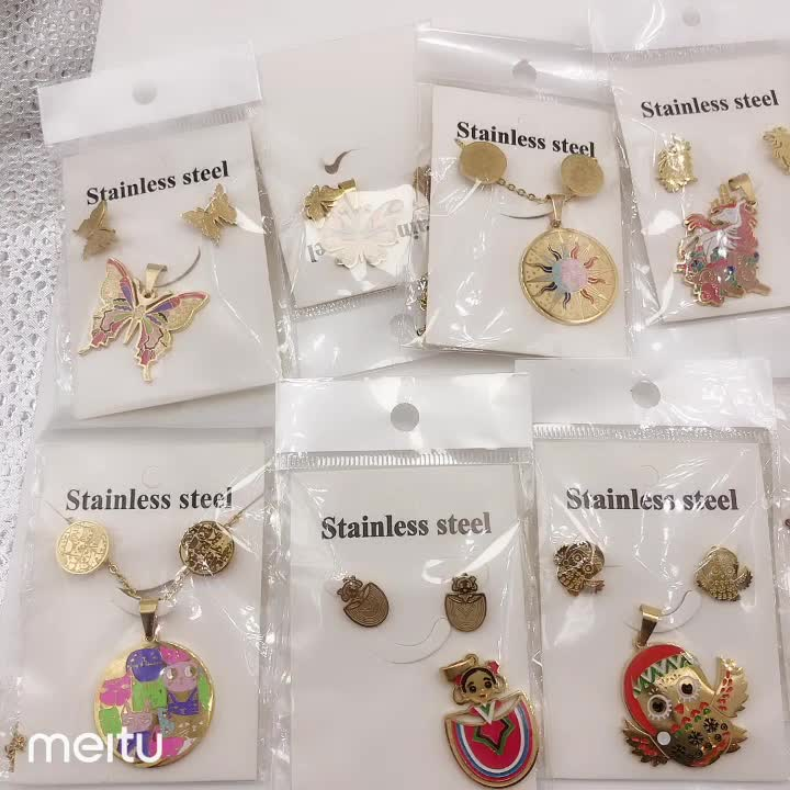 2019 latest popular king and queen enamel women stainless steel jewelry gold sets wholesale