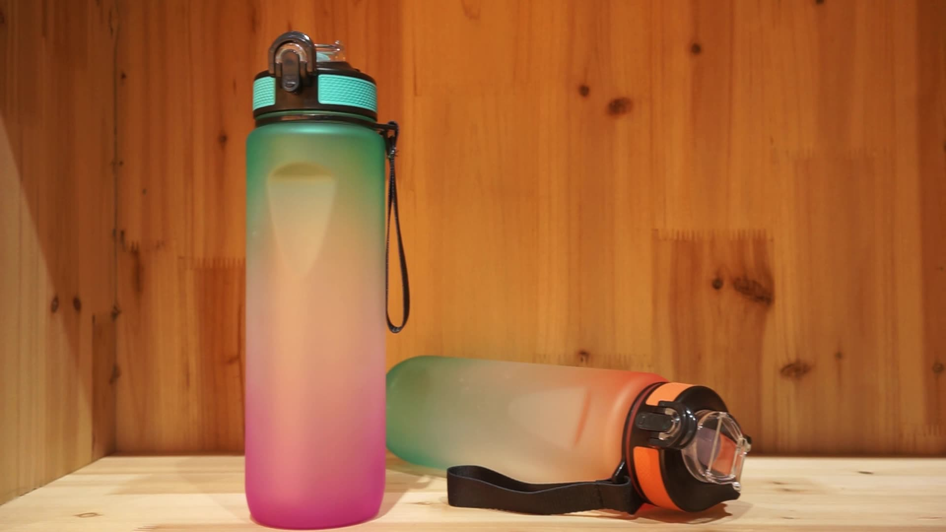 1000ml 32oz customized plastic water bottle for sport gym with carrying rope painting soft lac