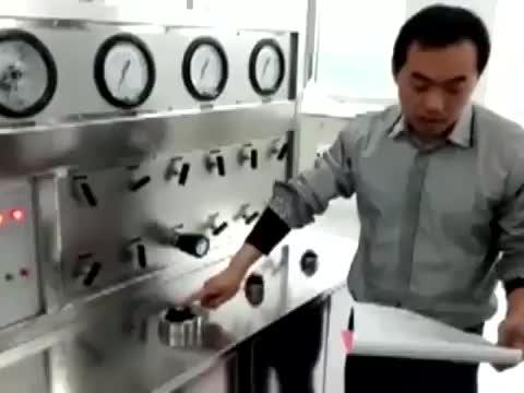 High oil rate Customized Supercritical Herbs CO2 Extraction Machine for Cbd Oil Cannabidiol