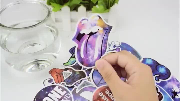 50 ADET Süper Hero Su Geçirmez Bagaj Çıkartmaları Karikatür Dizüstü Marvel Dizüstü Burcu Neon Işık Gitar Metal Retro Graffiti Sticker
