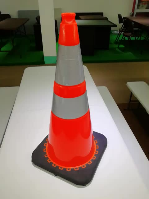 USA Customer Customized reflective pvc traffic cone flexible cones with two collars on sale