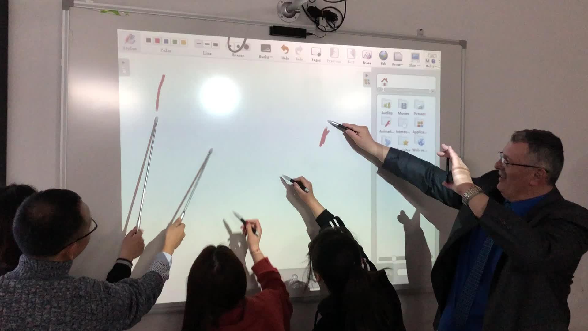 China fábrica OEM precio bajo Pizarra Interactiva IR pluma para la enseñanza