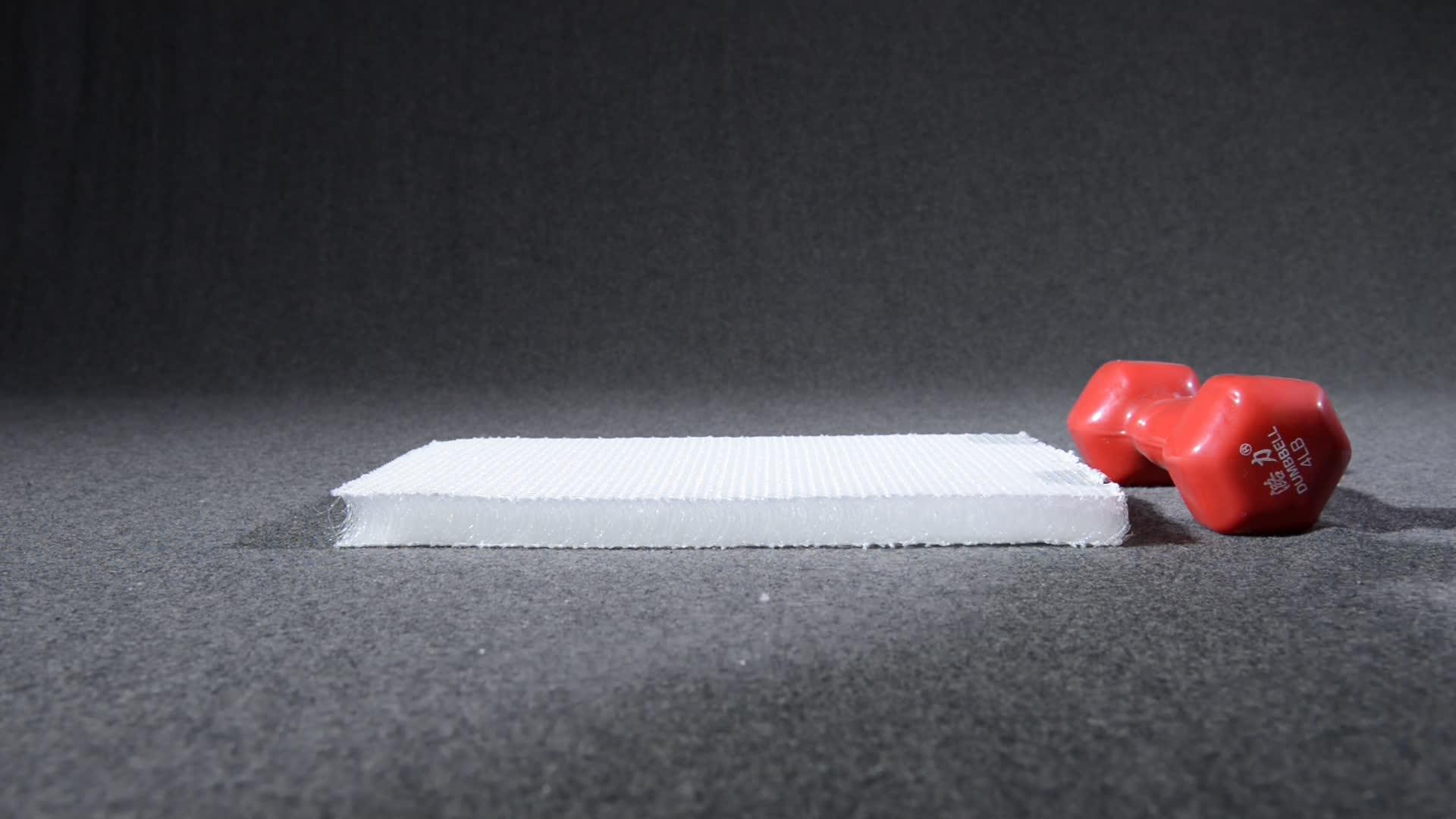 SGS 100 ポリエステル 3D スペーサーエアメッシュ生地ソフトベビーベッドマットレスプロテクタークロールマットため Anran 技術