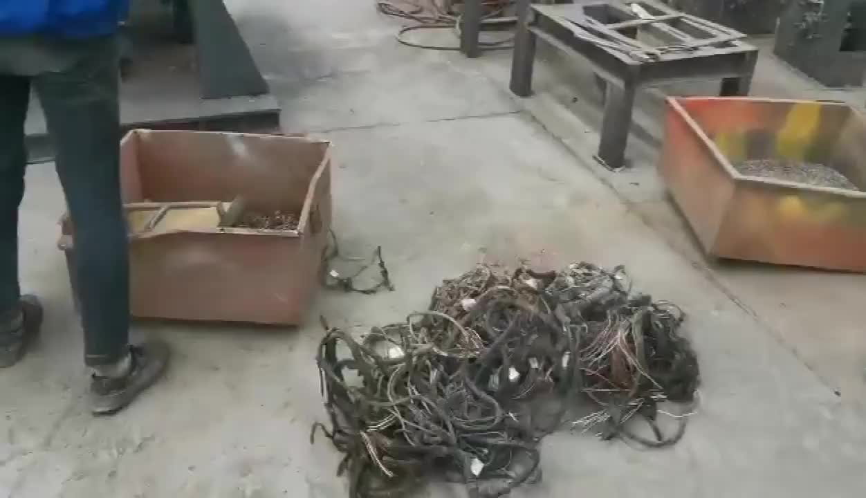 Scrap Copper Cable Granulate Wire and Cable Recycling Machine for Copper