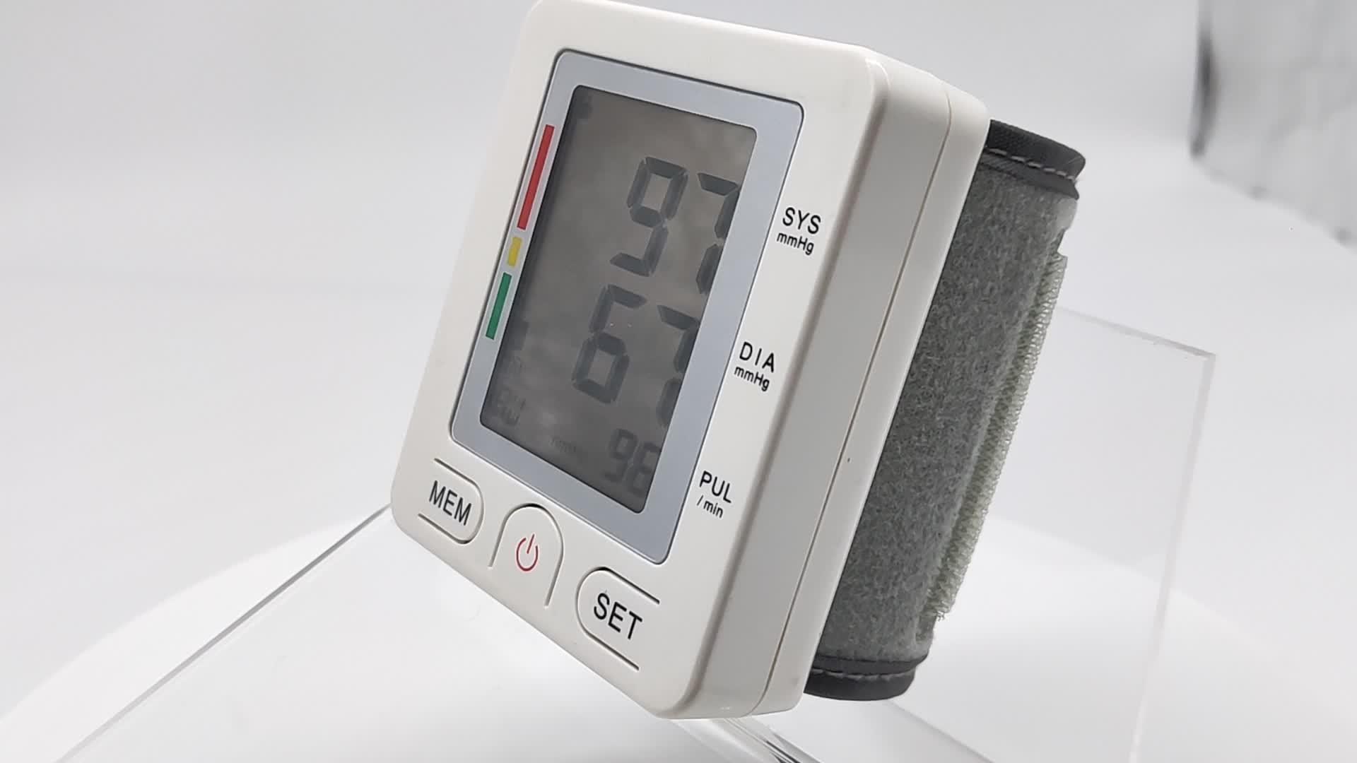 Купить онлайн Ambulatory A профессиональные медицинские принадлежности ручные автоматические электронные цифровые bp наручные Монитор артериального давления смарт