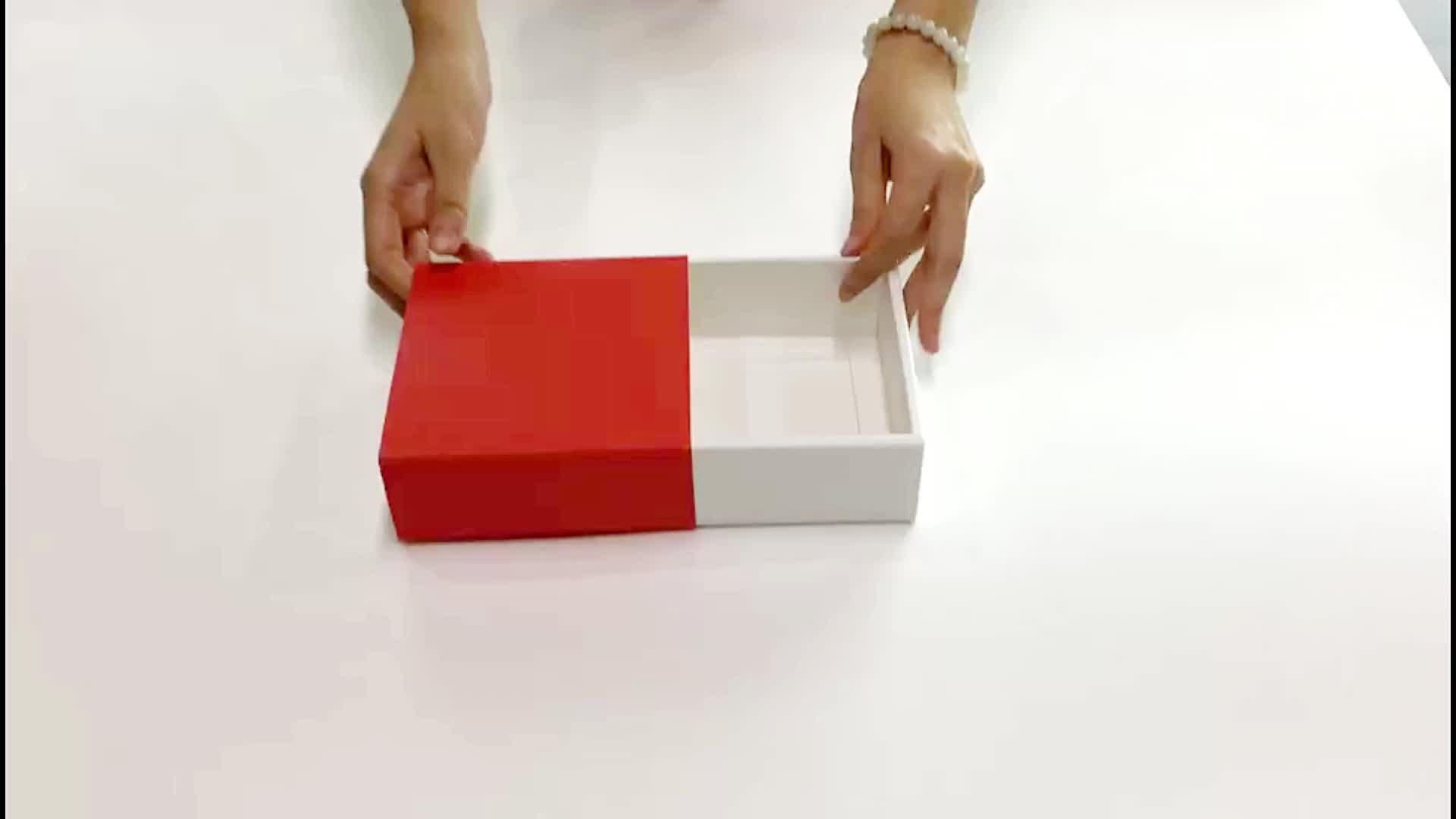 ปรับแต่งขายส่งโลโก้รีไซเคิลผ้าขนหนูหนังสือของขวัญใสกล่องกระดาษคราฟท์พร้อมฝาปิด