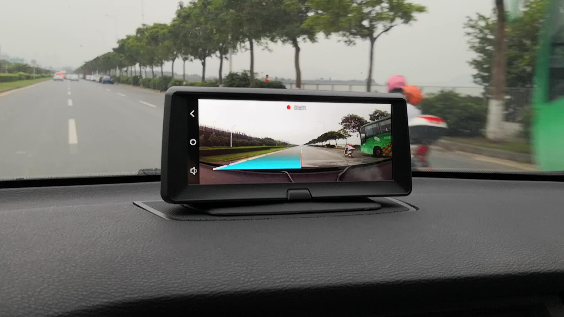 車両の Gps ナビゲーション 7 インチ容量性タッチスクリーンのサポートデュアルカメラで車の運転レコーダー/ADAS/360 度バックミラー