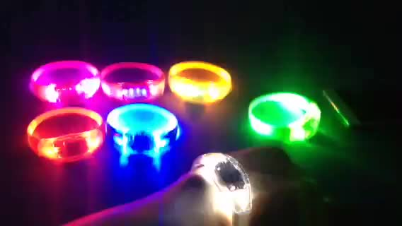 Music Active LED Wrist Bands Sound Activated Lighting Wrist Bands for Wedding Party Event Concert Music Festival
