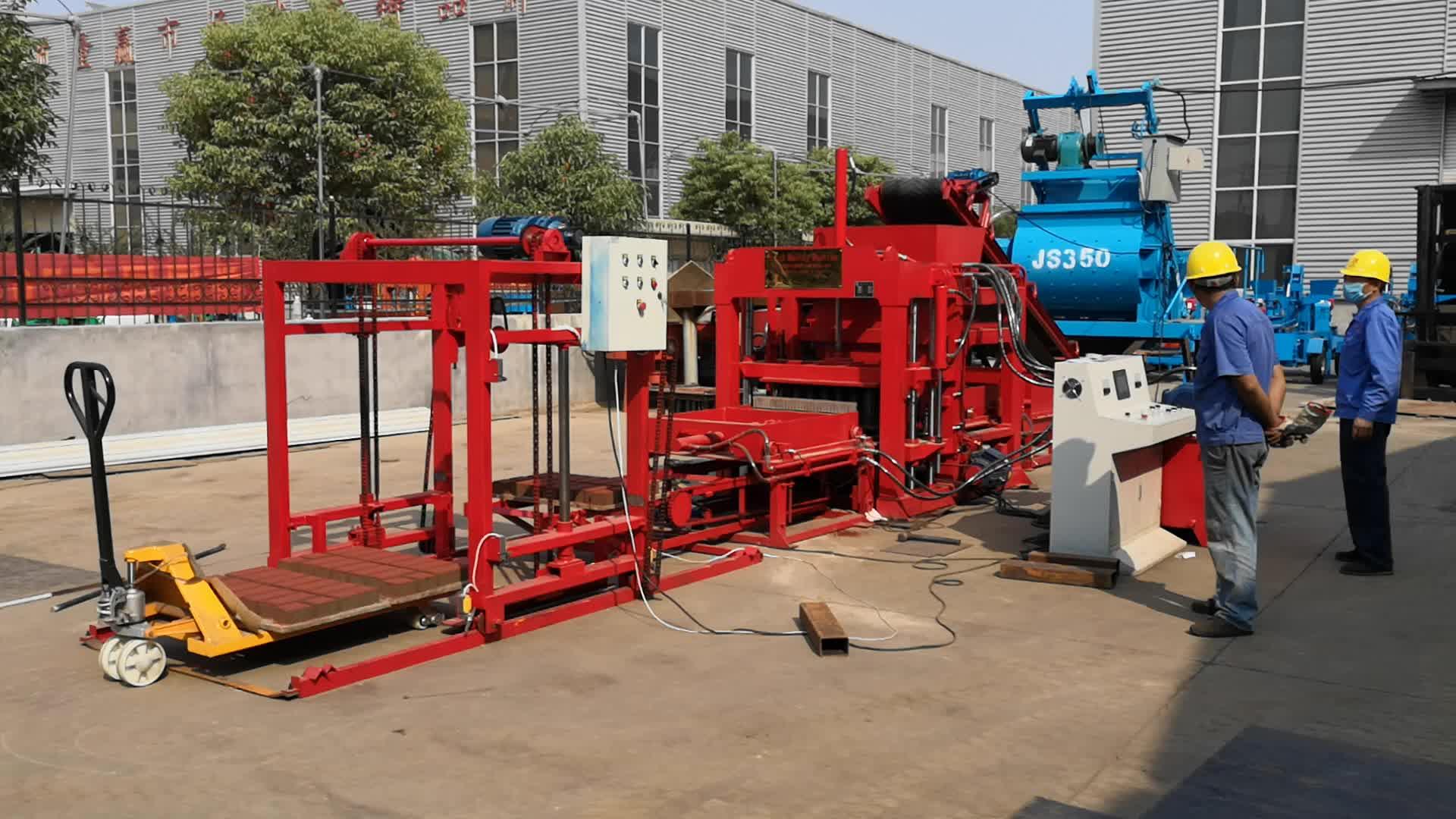 Yeni Qtj4-18 tam otomatik hidrolik çimento sıkıştırılmış birbirine tuğla blok yapma makineleri fiyat üreticileri