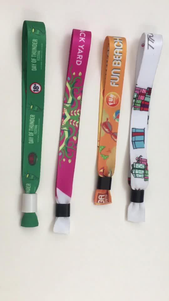 2019 * प्रचारक घटना कपड़े Wristband के साथ प्लास्टिक ताला