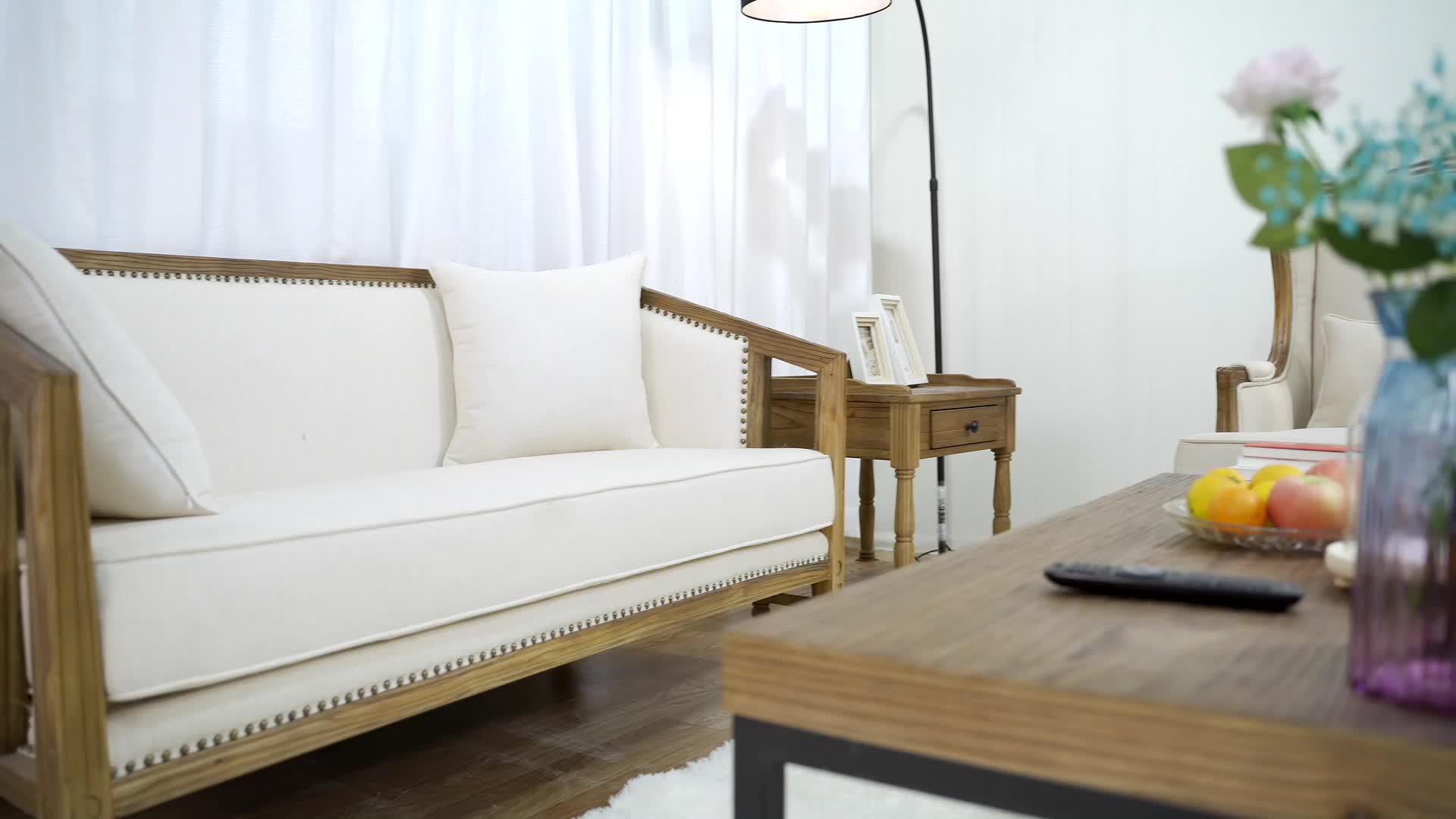 モダンなリビングルームの椅子セットリラックス快適な木製リネンシングル木製ソファチェア