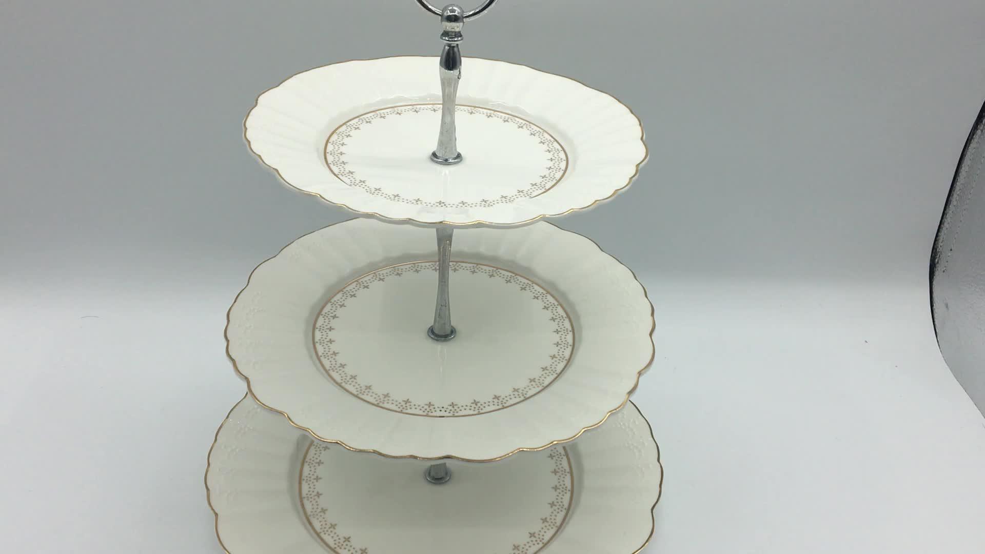 Gümüş metal yuvarlak altın jant öğleden sonra çay düğün 3 katmanlı kek standı