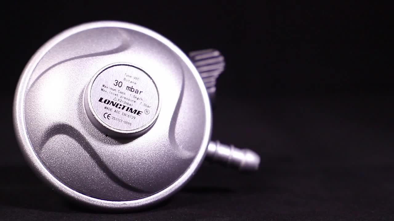 Prix pas cher 20mm 22mm 27mm LPG Régulateur De Gaz Avec Compteur pour 12.5kg Gaz Cylindre