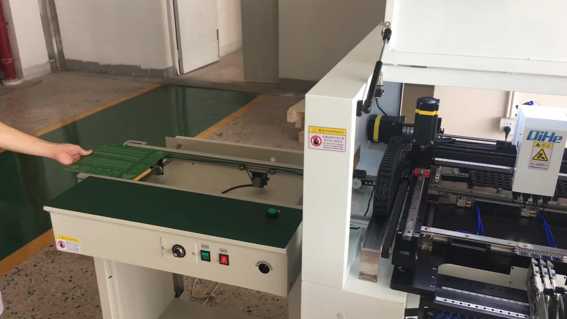 Qihe 전체 자동 칩 마운터 전구 만드는 기계 조립 라인