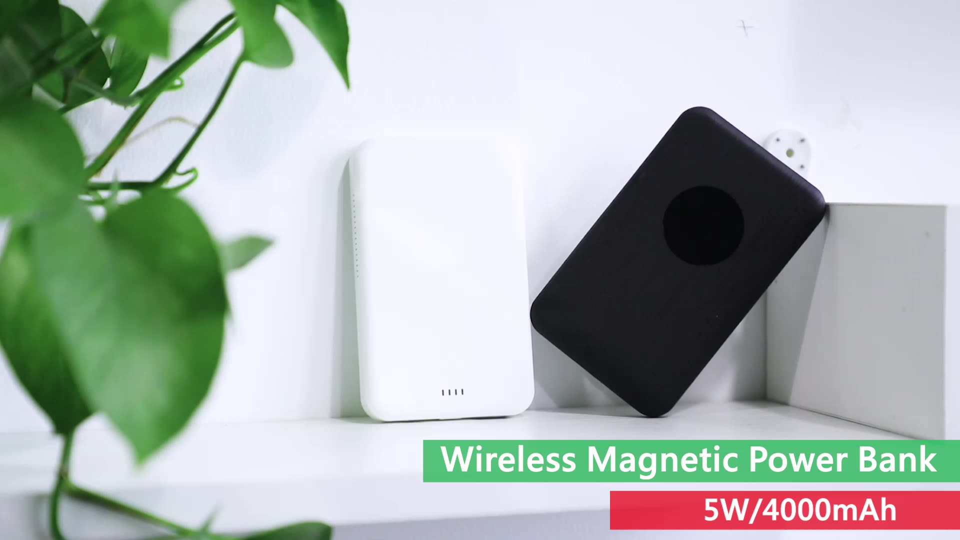 New arrival QI portable wireless charger magnetic power bank 4000mAh fast charging wireless power banks