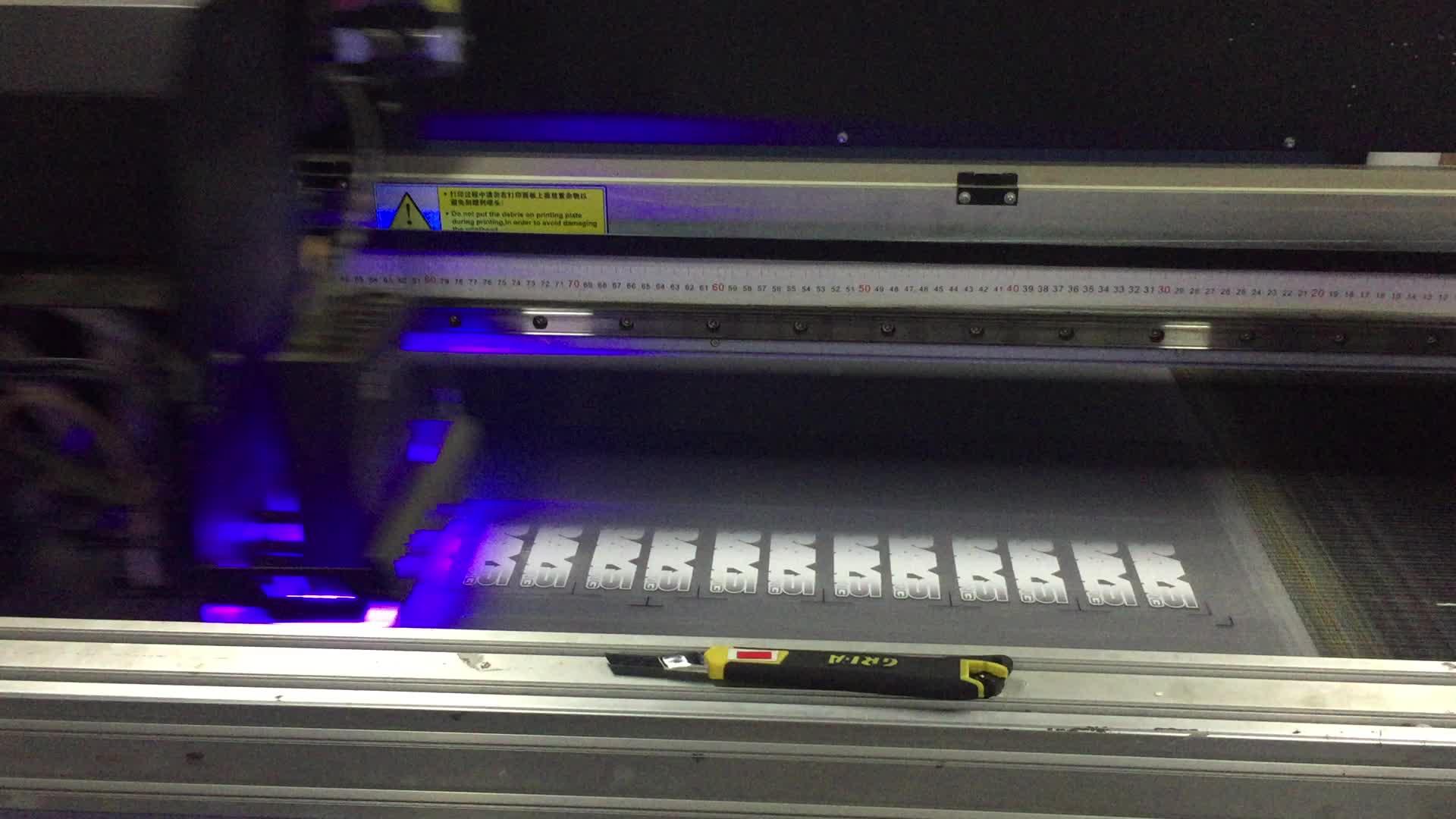 ETIE düşük MOQ 3D vinil wrap PVC su geçirmez tüy tasarım özel çıkartma uv baskı şeffaf laptop etiketi