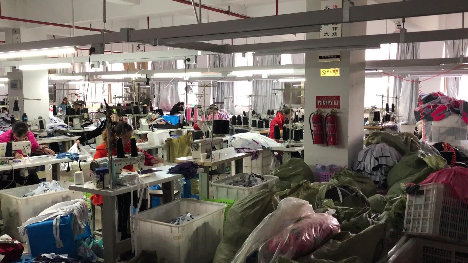 Private Label Solido Bianco Manica Corta In Cotone Miscela di base Traspirante Scoop Bordo Palestra di Allenamento T-Shirt Per Gli Uomini