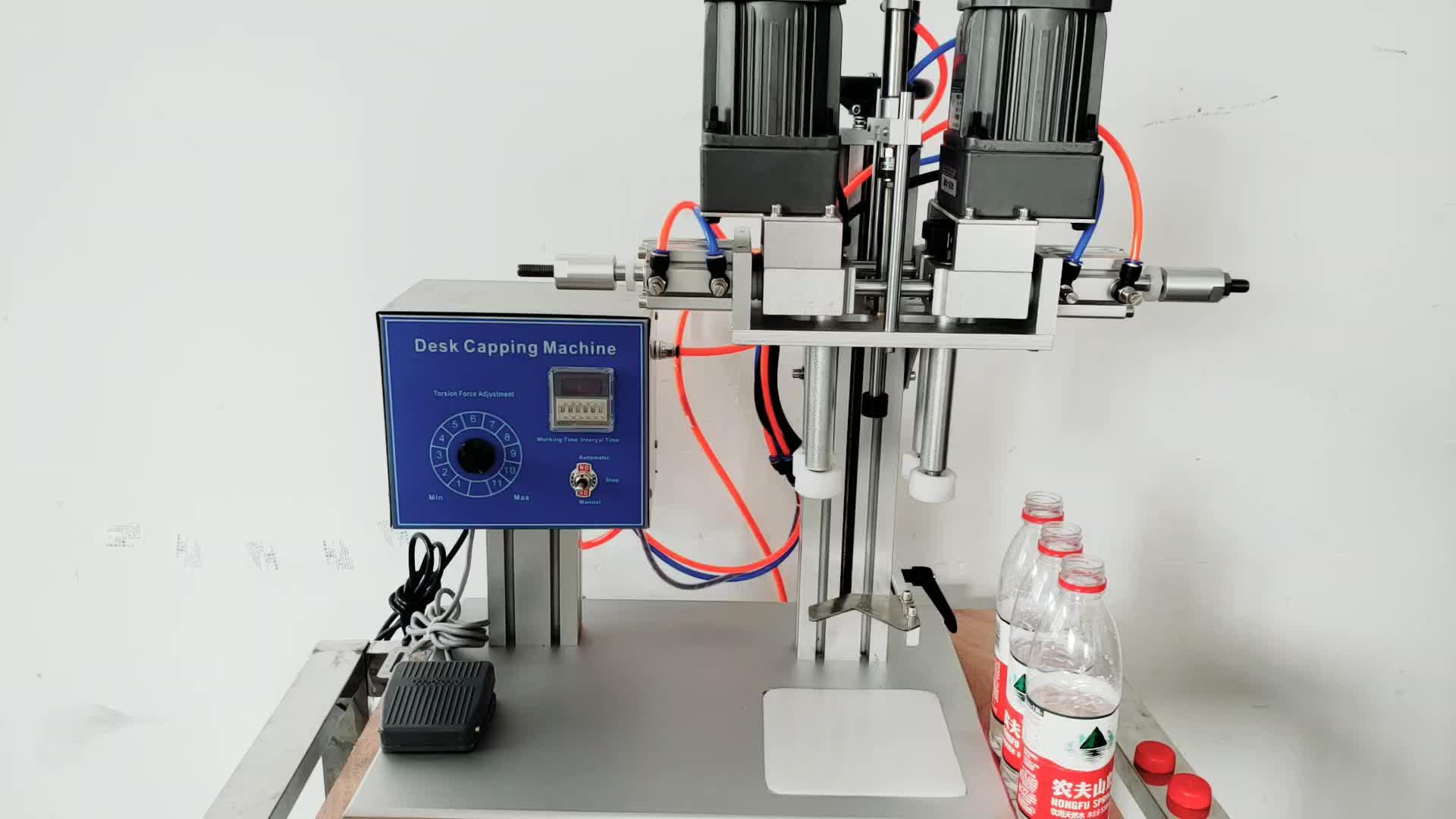 YTK-6100 Semi automatische twist off trigger spray pet schraube kappe flasche capper/schraube capping maschine