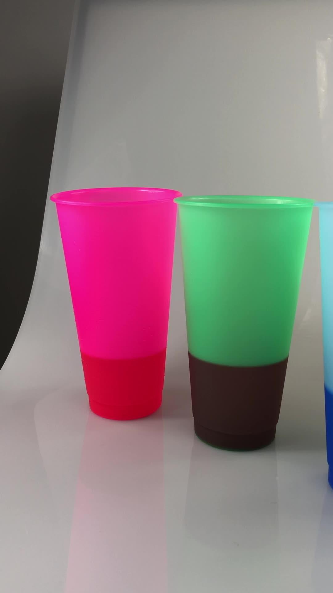 710ml nhựa màu thay đổi cốc với rơm PP nhiệt độ nước lạnh cảm giác màu thay đổi cốc du lịch