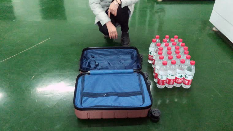 China Luggage Factory Supply Best Selling PC Carryon Luggage Checked In Business Luggage Case