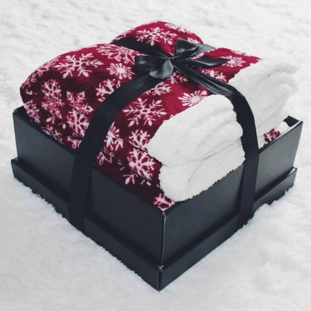 Red Snowflake Christmas Decoration Supplier Best Price Winter Blanket in China