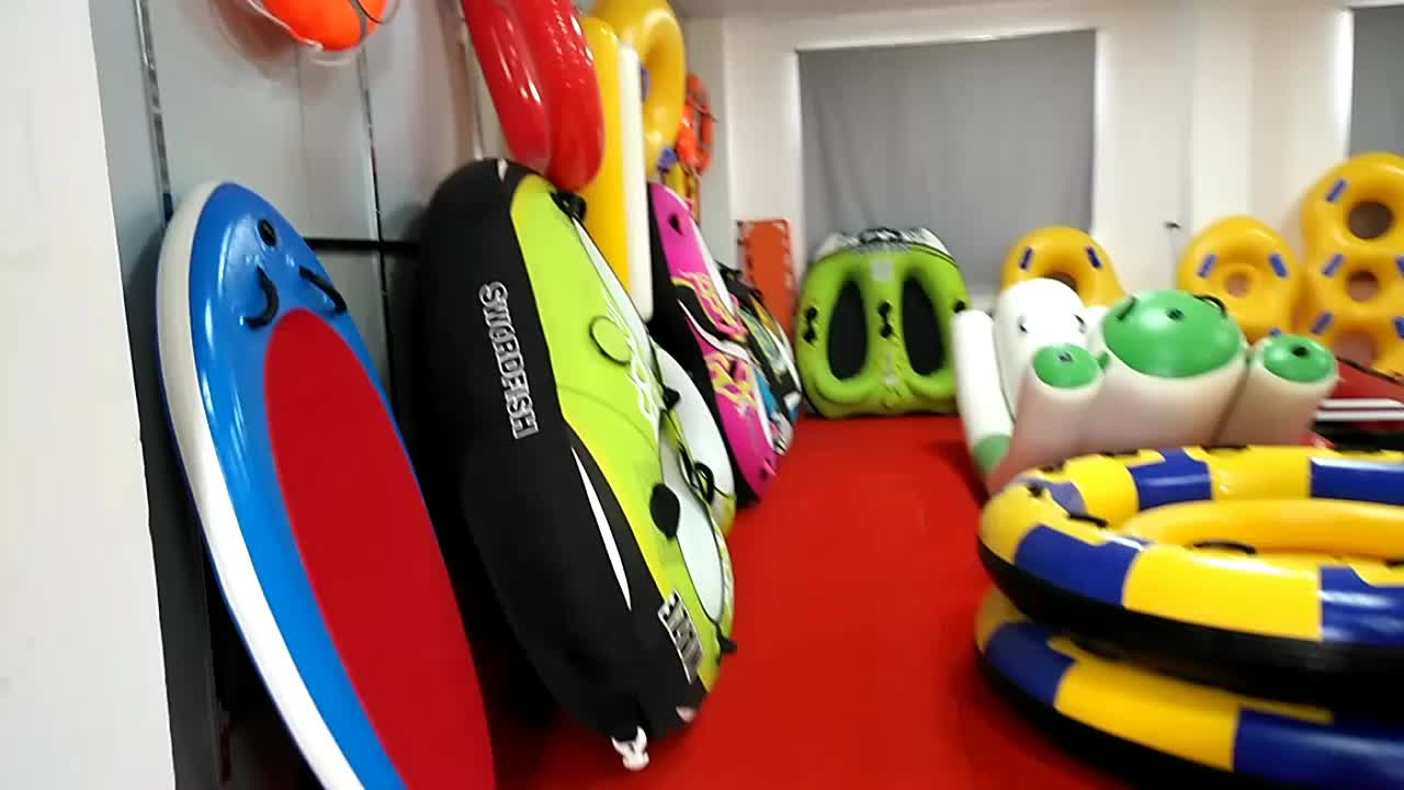 Customized 1 Person Inflatable Towable Water Tube Ring with Nylon Cover for Beach Rental
