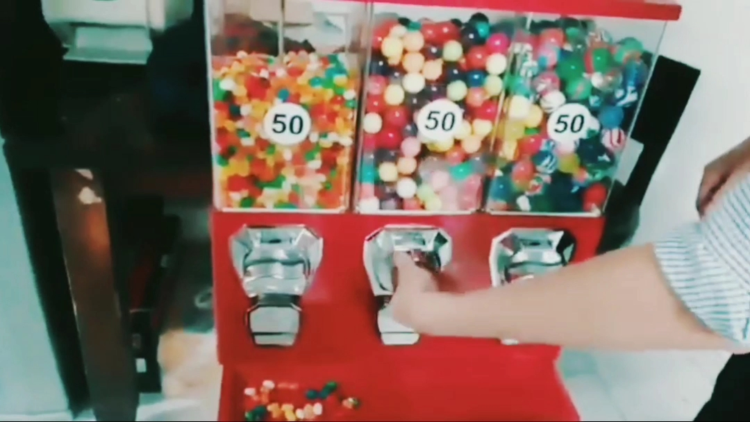 Triple Head Bulk Candy Vending Machines Triple Gumball vending Machine for Sale