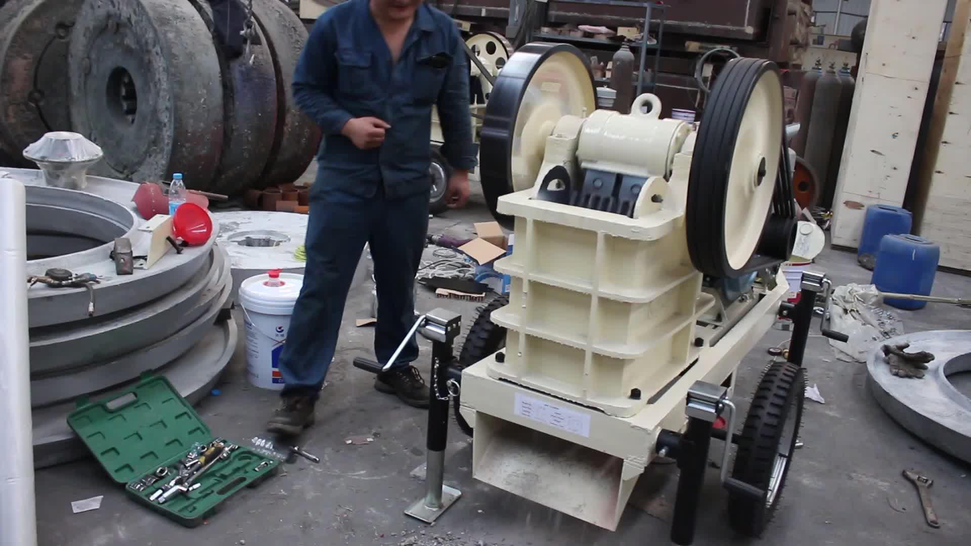 Taşınabilir kaya kırıcı mini mobil taş kırma makinesi