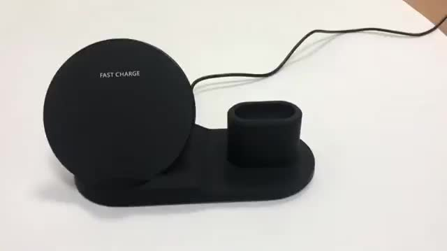 2020 Trending Product Cellphone Qi Wireless Charger Portable 3 in 1 Charging Station For iPhone Earbuds Air Pod
