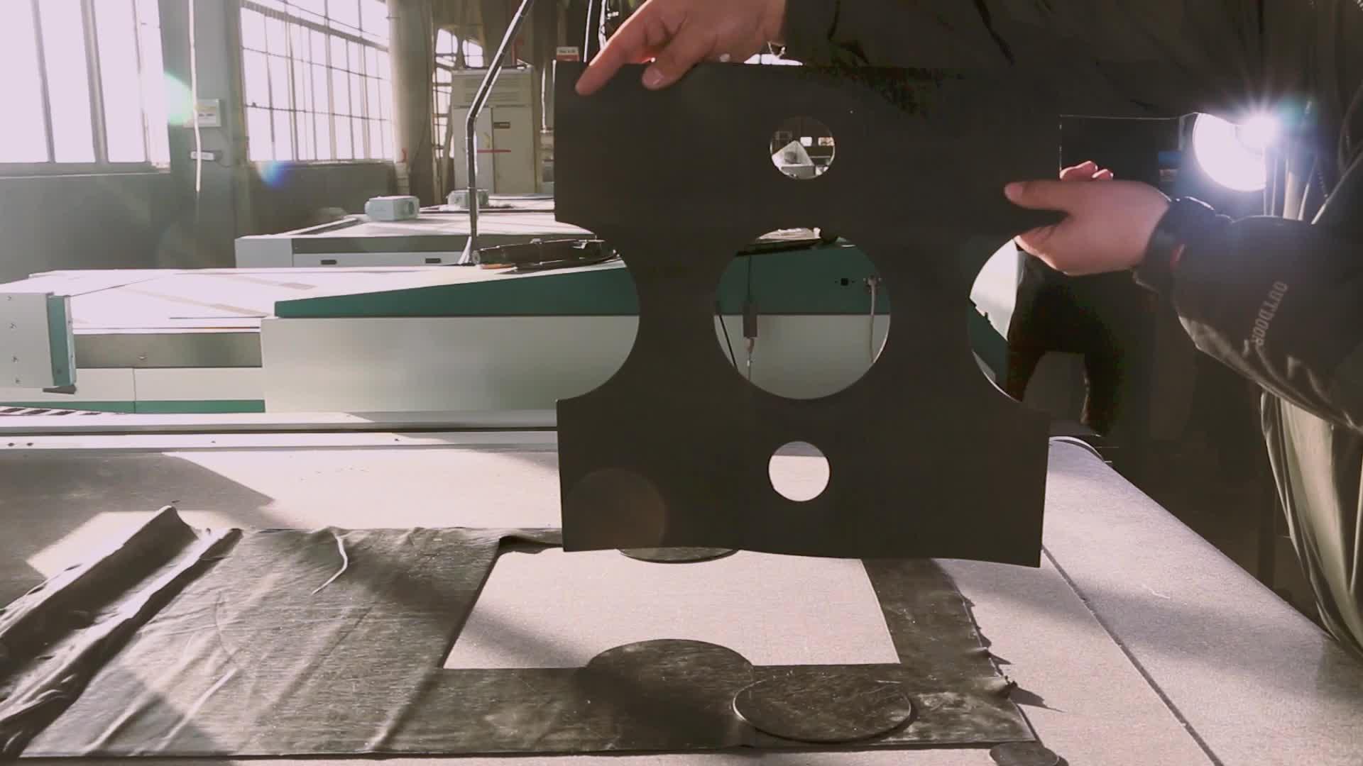 Keramische isolatie materiaal Fiber isolatie katoen Gewone pp niet-geweven medische beschermende kleding snijden tafel
