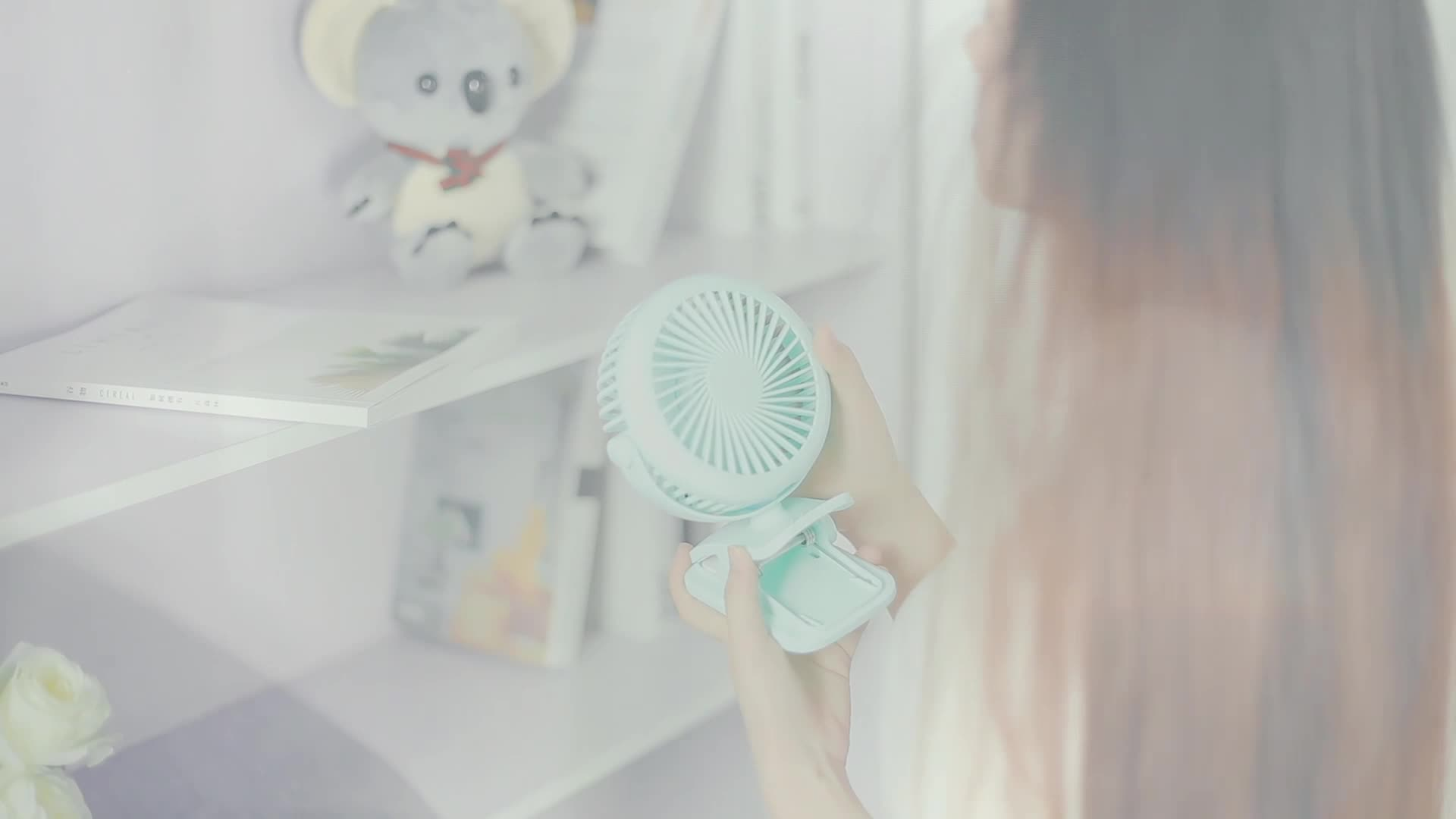 Joyroom amazon hot seller 2018 Battery Operated Clip Portable rechargeable desk usb mini fan