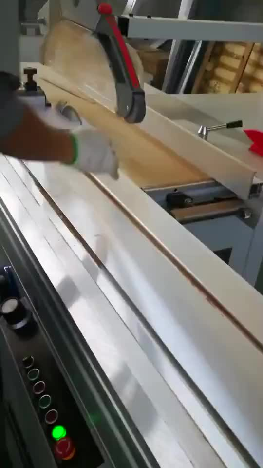 QingDao פנל מסור עץ חיתוך מכונה