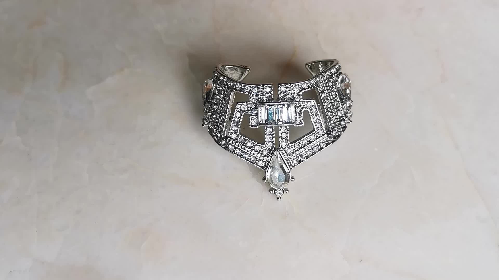 Fashion Gold diamond Alloy metal Pin lady's letter Crown Brooches