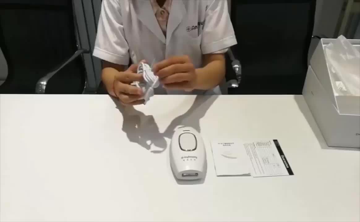 Professionale Mini IPL Laser Macchina di Rimozione Permanente Dei Capelli Dispositivo di Trattamento di Ringiovanimento Della Pelle Acne l'utilizzo a casa liberamente