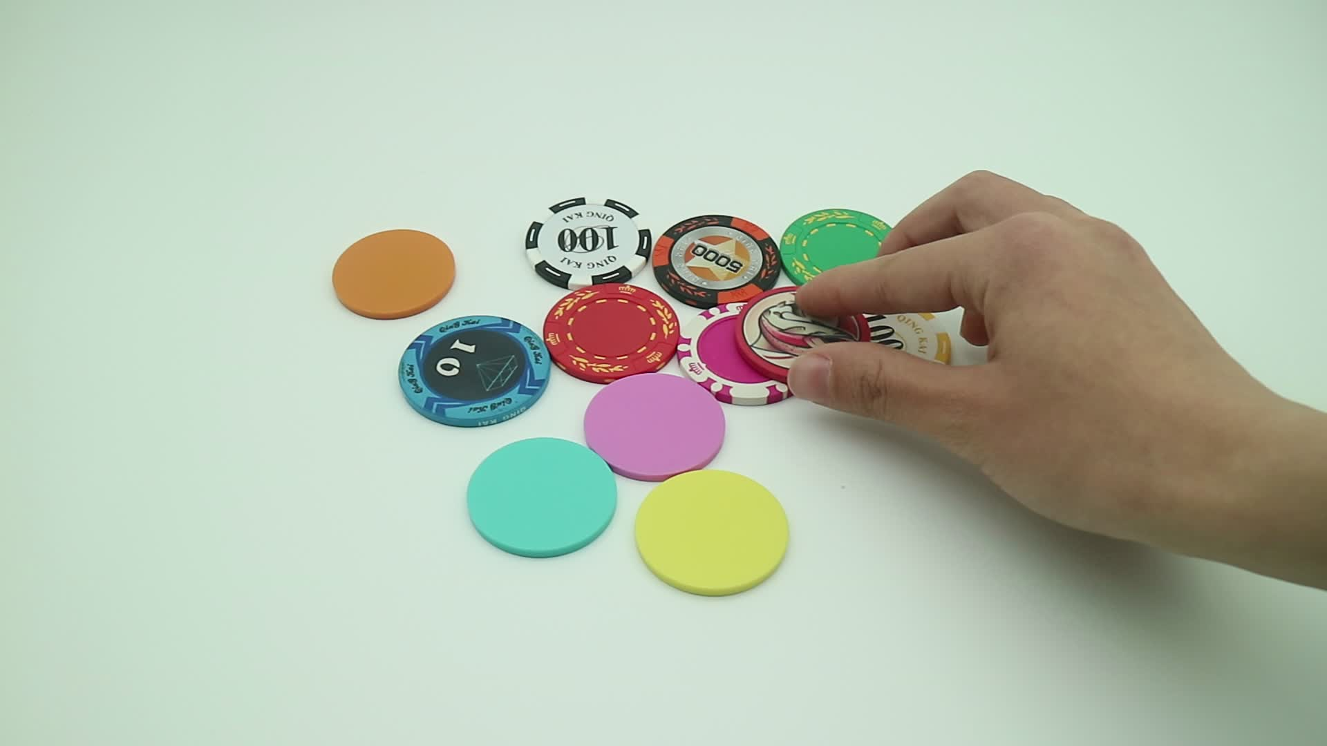 Plastic Poker Chips Card Game, Opaque Plastic Learning Counters Mini Poker Chips Game Tokens with Storage Box